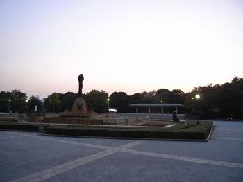 服部緑地公園内 東中央広場